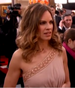 Swank looking radiant on the red carpet.