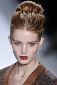 LUCA-LUCA-FALL-RTW-2011-BEAUTY-019_runway