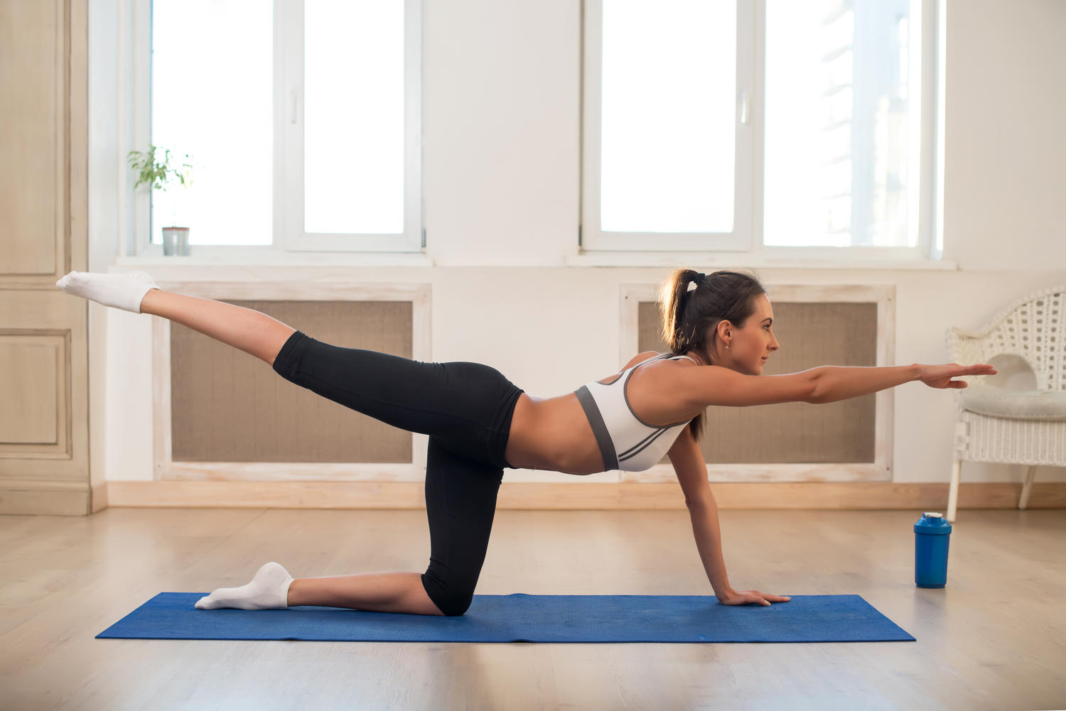 The pilates workout that sculpts your butt fitness magazine for Gimnasio pilates