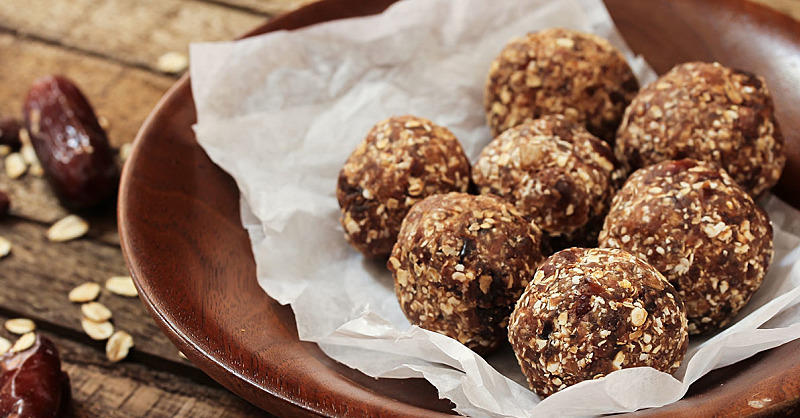 No-Bake Protein Balls That Power Up Your Workout (And Taste Like Dessert!)