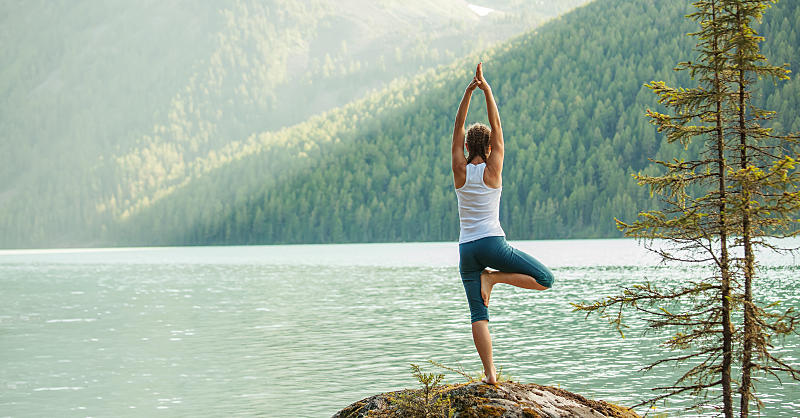The 30-Minute Yoga Flow That Strengthens Your Core