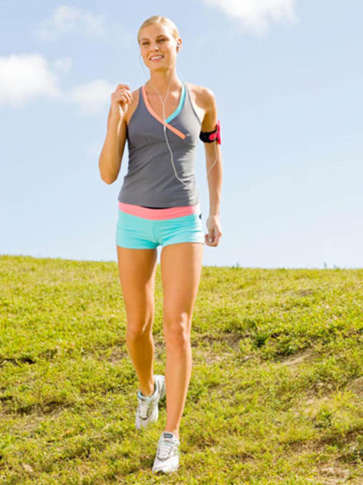 Walking Workout: Tone Your Arms As You Walk | Fitness Magazine