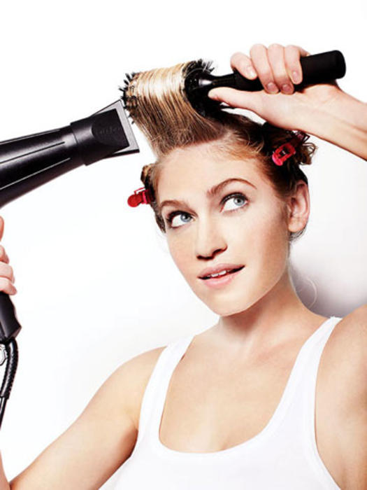 How to Do a Blowout at Home - Fast Blowout Hairstyles ...