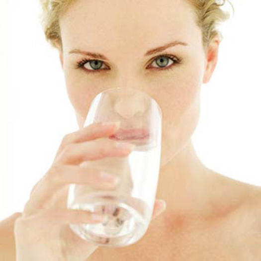 how to stop holding water weight