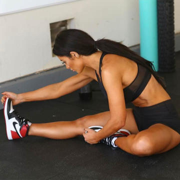 WWE Diva Natalie Eva Marie's Rise-and-Grind Workout Playlist Is